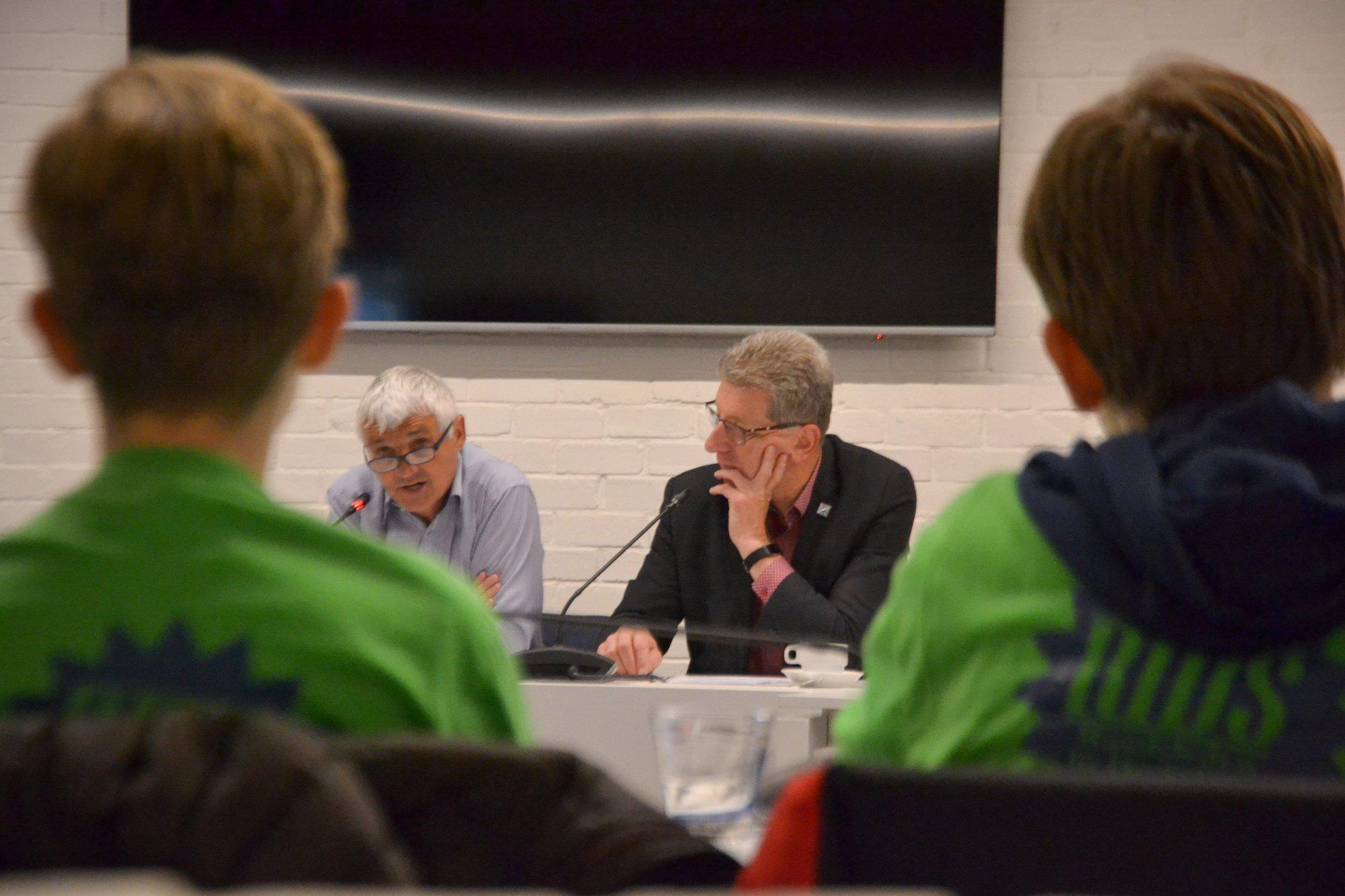 Leerlingen SJABI gaan in gesprek met burgemeester en schepen over klimaat