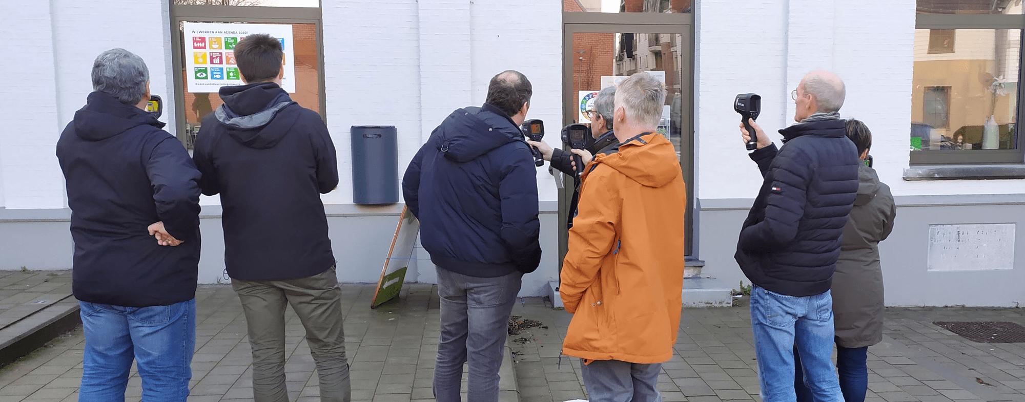 Eerste vrijwilligers opgeleid tot thermoscanners